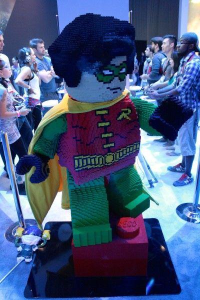 e3-2014-lego-batman-3-robin