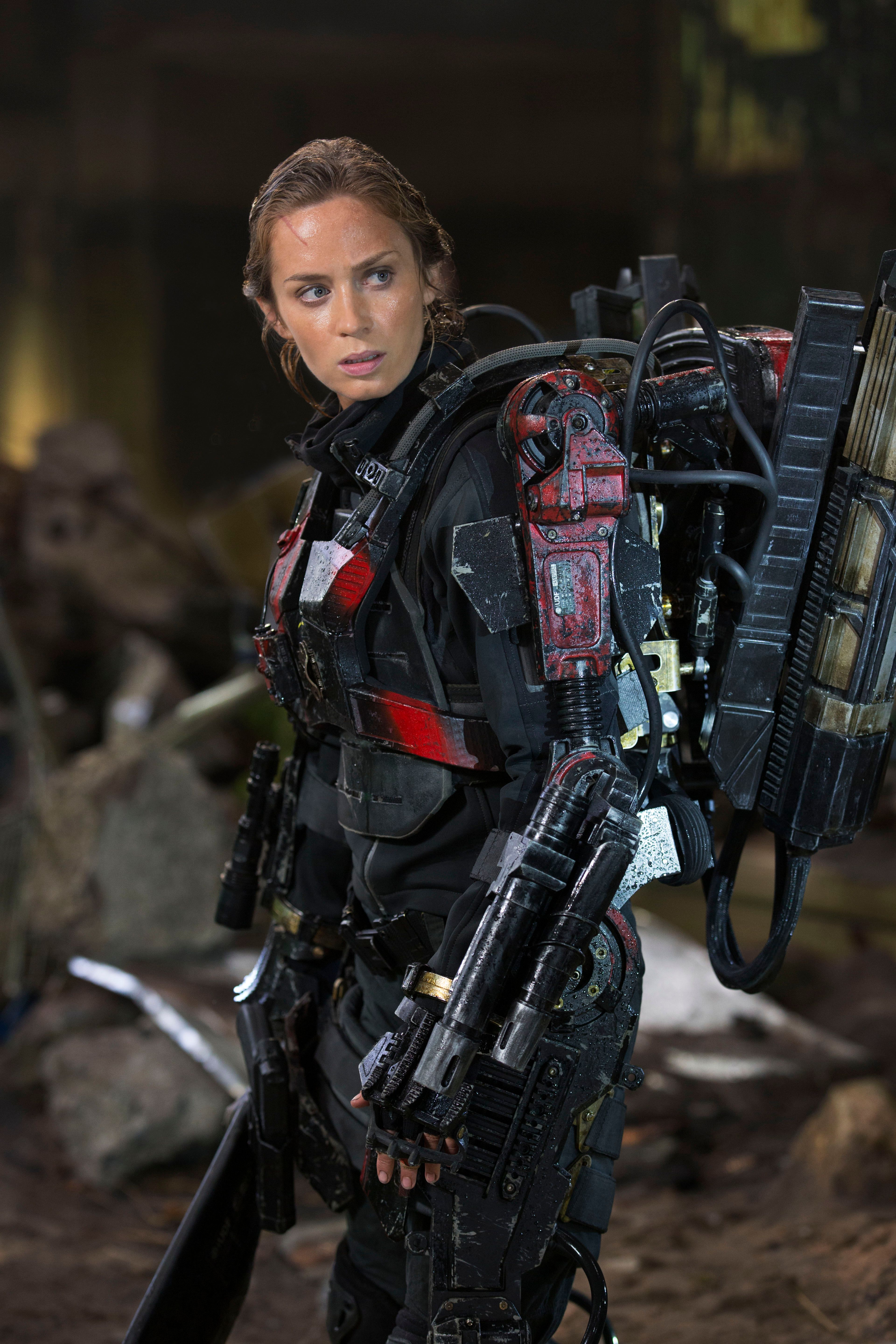Tomorrow With A Smile Knock Off: Frank Darabont Exits The Huntsman; Emily Blunt To Play