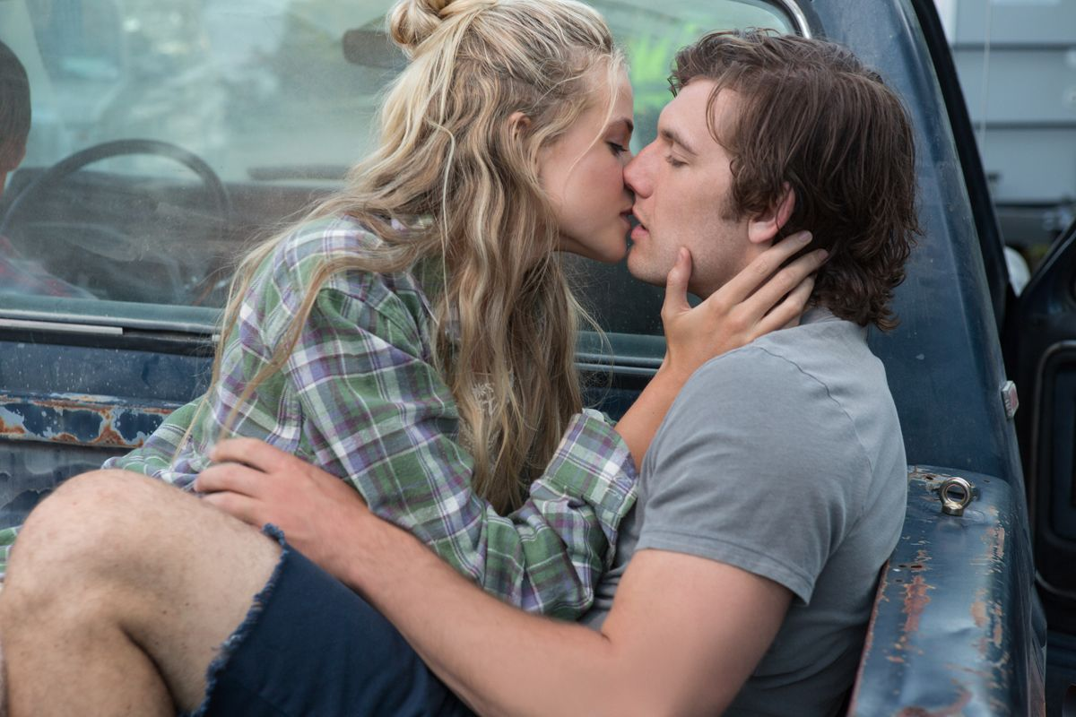 Endless Love Interview: Alex Pettyfer Talks Kissing Scenes