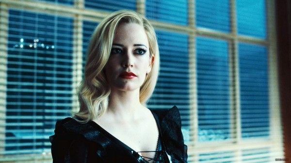 eva-green-dark-shadows-movie-image-4
