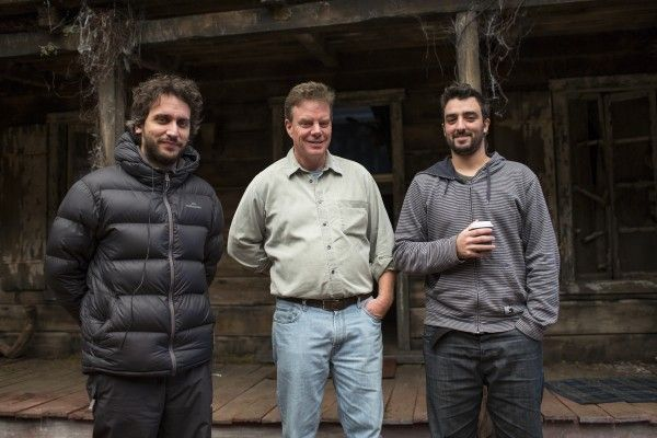 evil-dead-set-photo-fede-alvarez-rob-tapert-rodo-sayagues