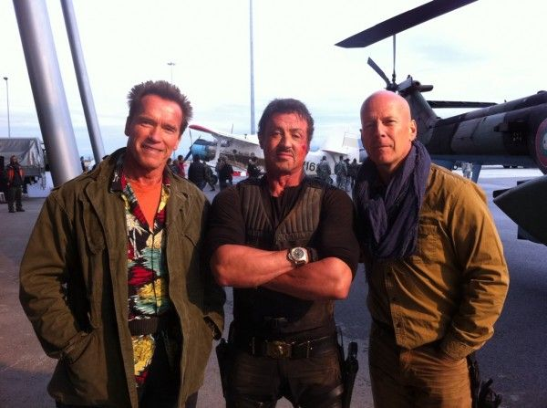 expendables-2-schwarzenegger-stallone-willis-set-photo-01