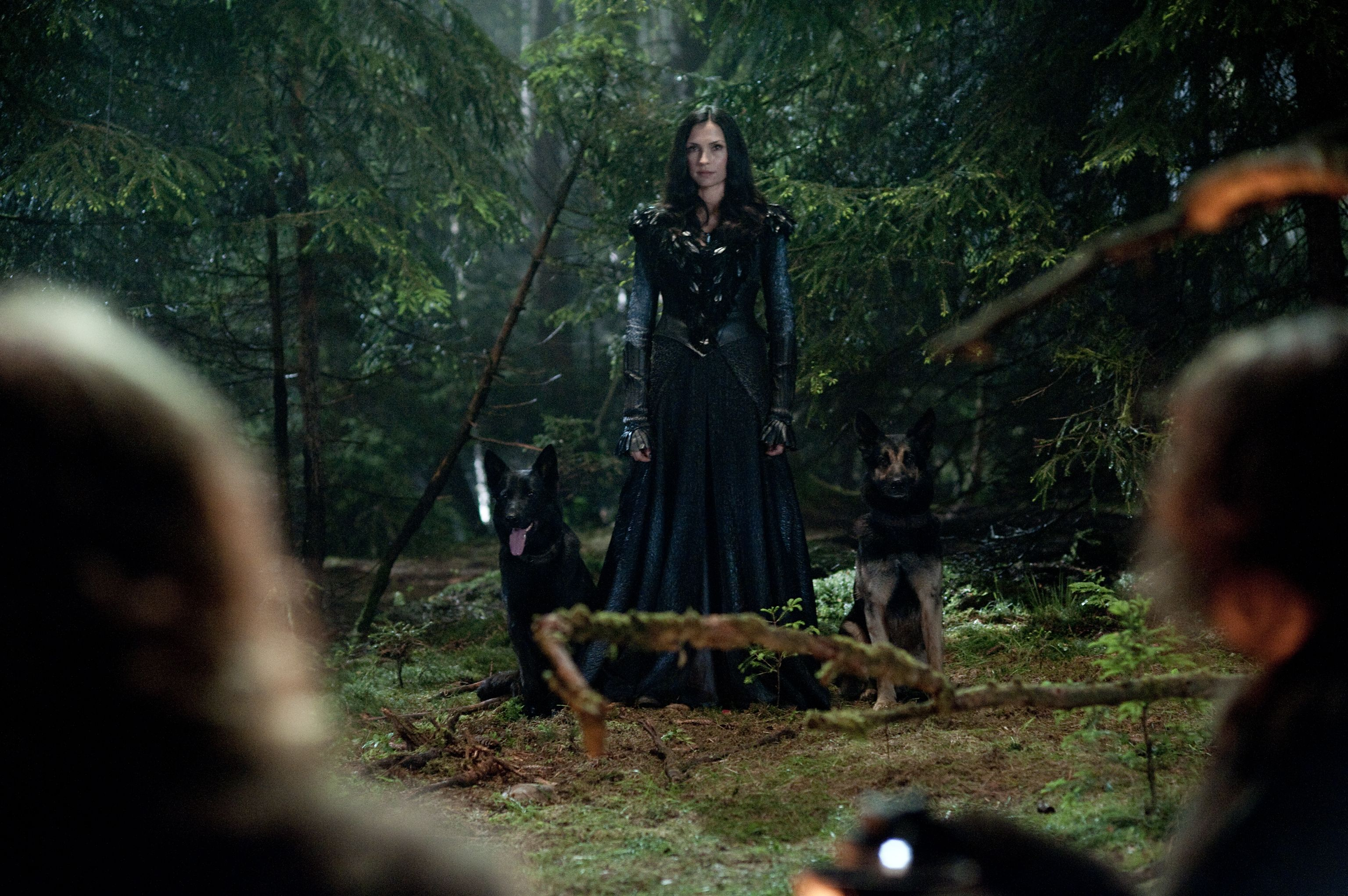 Famke janssen talks hansel and gretel witch hunters x - The home hunter ...