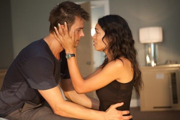fire-with-fire-movie-image-josh-duhamel-rosario-dawson-02