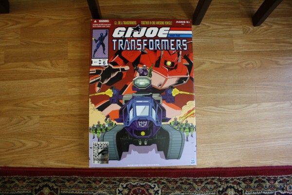 gijoe-transformers-hiss-tank-comic-con (1)