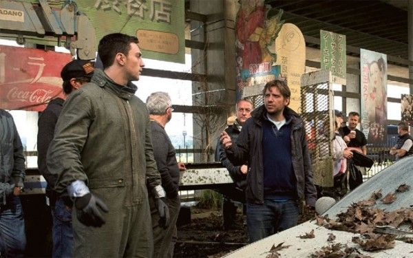 godzilla-gareth-edwards-aaron-taylor-johnson-set-photo