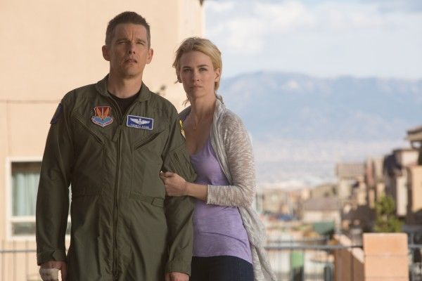 good-kill-ethan-hawke-january-jones