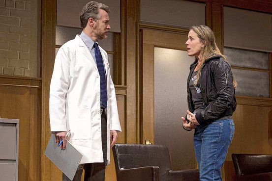 good-people-broadway-play-image-tate-donovan-frances-mcdormand
