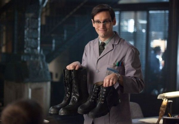 gotham-image-cory-michael-smith-what-the-little-bird-told-him