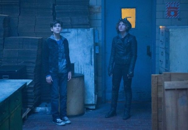 gotham-lovecraft-david-mazouz-camren-bicondova