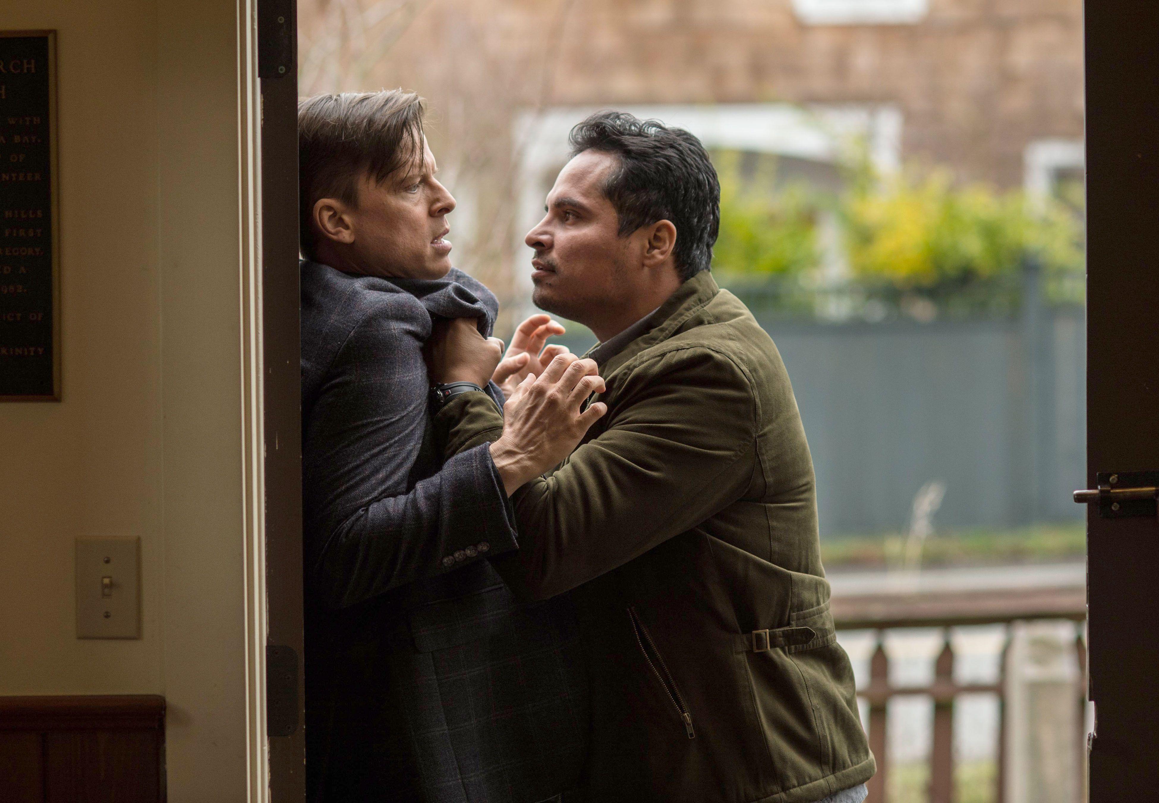 Gracepoint season 2 episode 1 : Episode mayhem fights bully