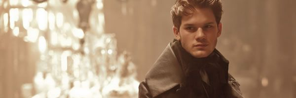 great-expectations-jeremy-irvine-slice