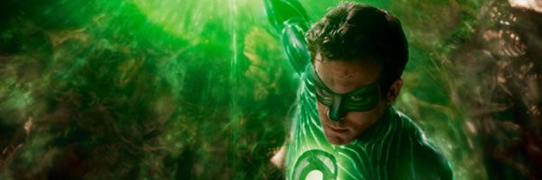 green-lantern-movie-image-ryan-reynolds-explosion-slice