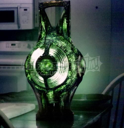 green_lantern_movie_image_power_battery_01