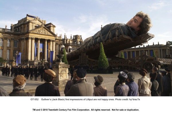 gullivers-travels-movie-image-jack-black (9)