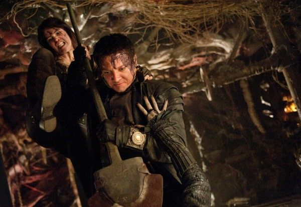 hansel-and-gretel-witch-hunters-gemma-arterton-jeremy-renner-image