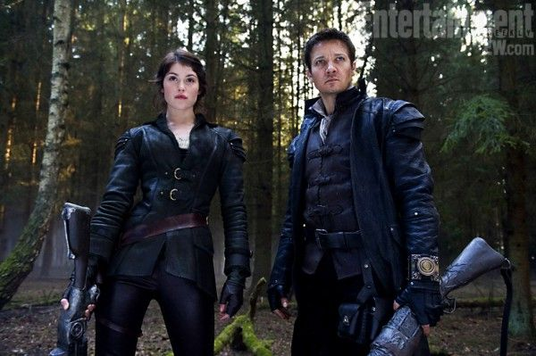 hansel-gretel-witch-hunters-movie-image-ew-01