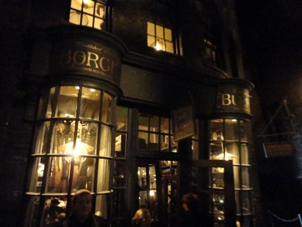 harry-potter-diagon-alley-borgin-and-burkes
