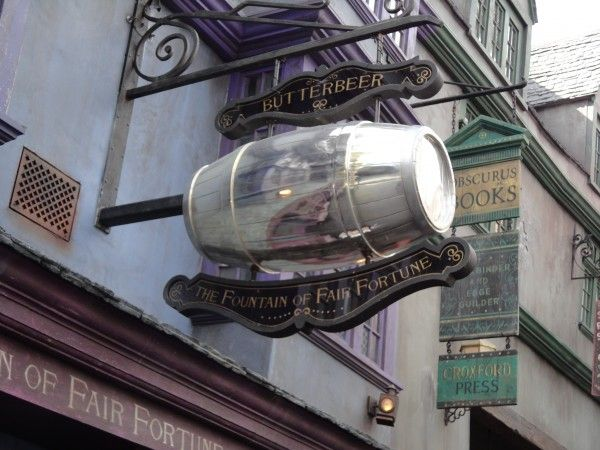 harry-potter-diagon-alley-butterbeer-store
