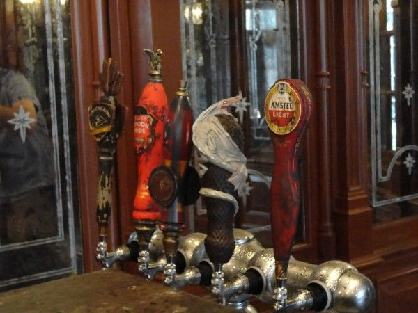 harry-potter-diagon-alley-fountain-of-fair-fortune-taps