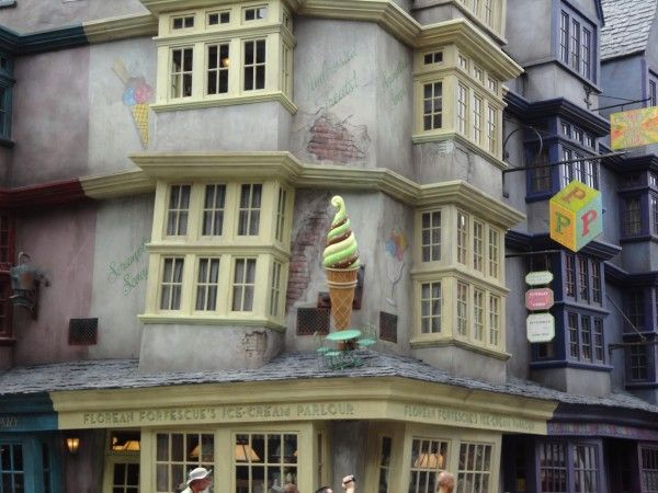 harry-potter-diagon-alley-ice-cream-parlor