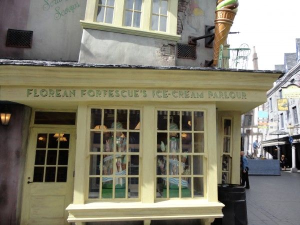 harry-potter-diagon-alley-ice-cream-parlour