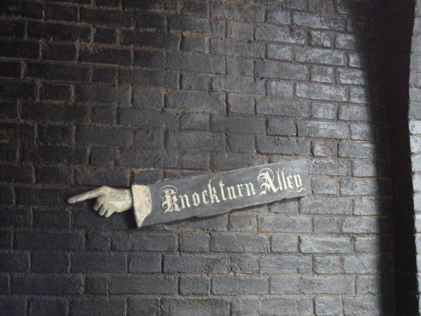 harry-potter-diagon-alley-knockturn-alley