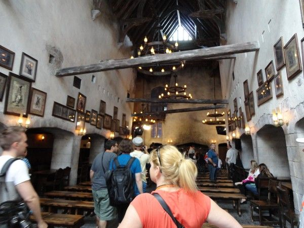 harry-potter-diagon-alley-leaky-cauldron