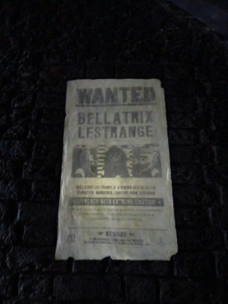 harry-potter-diagon-alley-universal-wanted-sign