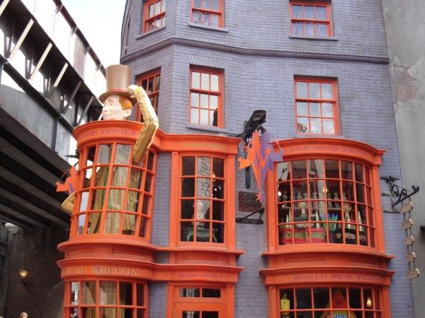 harry-potter-diagon-alley-weasley-wizard-wheezes