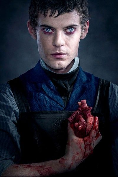 harry-treadaway-penny-dreadful