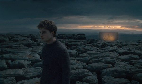 harry_potter_and_the_deathly_hallows_movie_image_daniel_radcliffe_coast_01