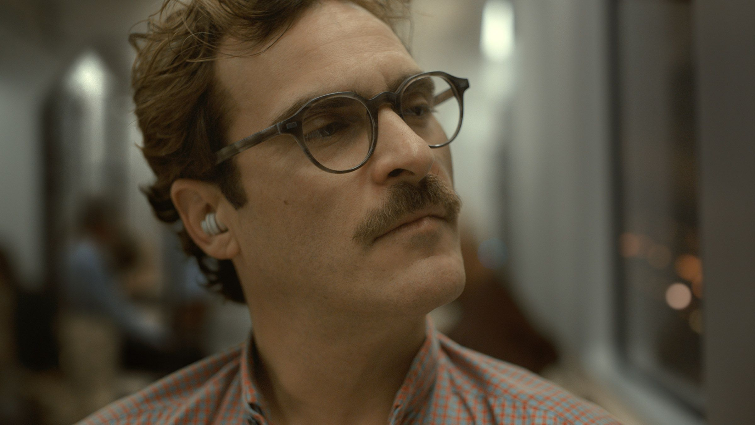 her trailer and images joaquin phoenix leads the love story collider
