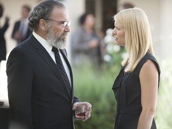 homeland-long-time-coming-mandy-patinkin-claire-danes