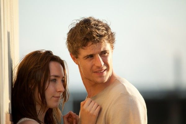 the-host-max-irons-saoirse-ronan