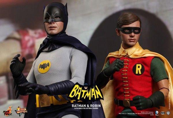 hot-toys-batman-robin-collectible-2