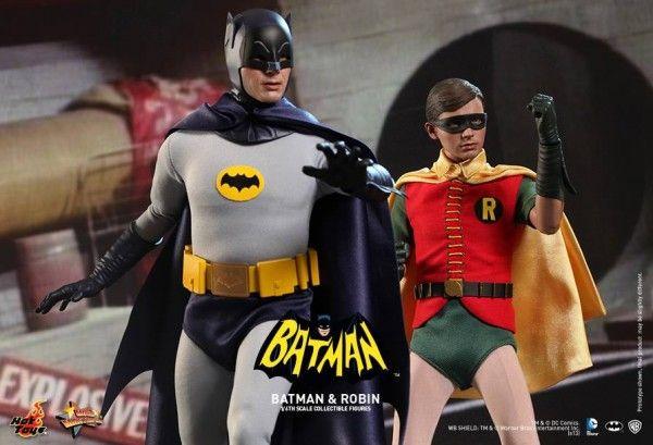 hot-toys-batman-robin-collectible-3