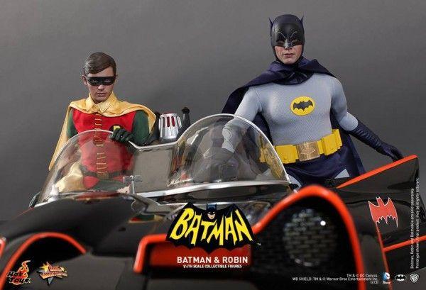hot-toys-batman-robin-collectible-5