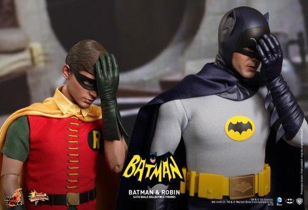 hot-toys-batman-robin-collectible-7