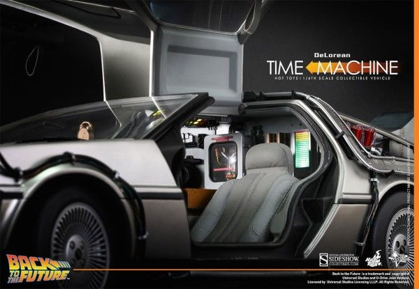 hot-toys-delorean-2