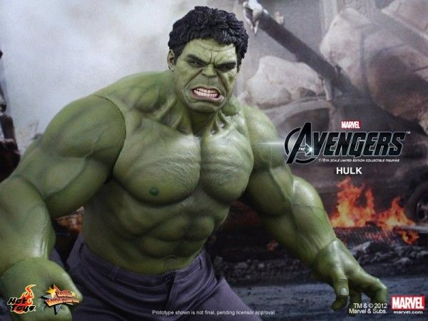 hot-toys-hulk-avengers-collectible