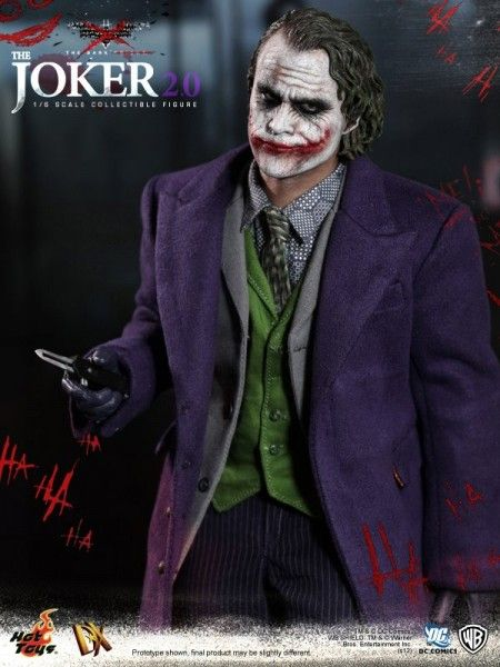 hot-toys-joker-the-dark-knight-heath-ledger-figure (7)