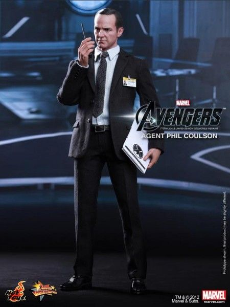 hot-toys-phil-coulson-the-avengers