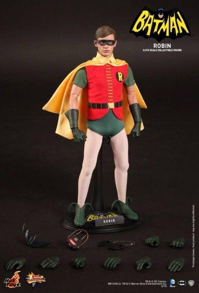 hot-toys-robin-collectible-1