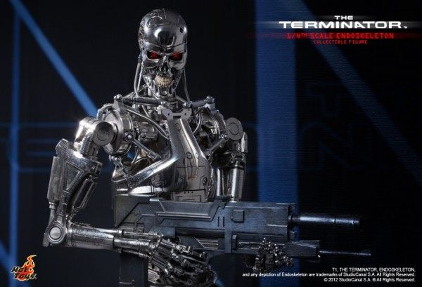 hot-toys-terminator-endoskeleton