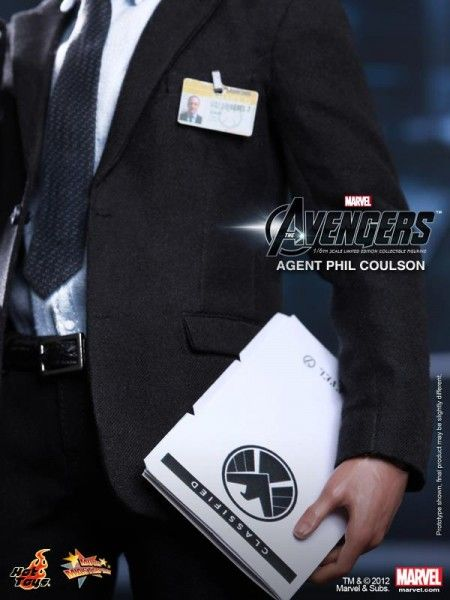 hot-toys-the-avengers-agent-phil-coulson