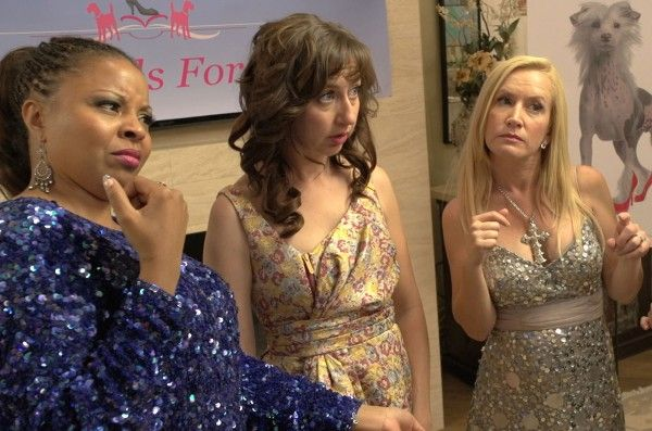 hotwives-of-orlando-angela-kinsey-kristen-schaal