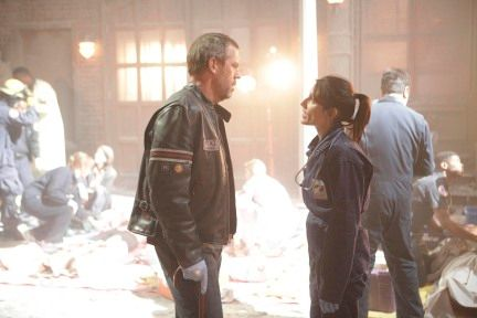 house_hugh_laurie_lisa_edelstein_fox_tv_show_season_six_finale_02