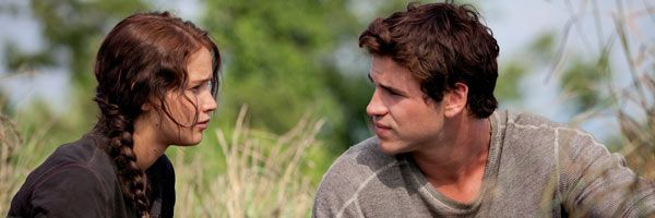 hunger-games-jennifer-lawrence-liam-hemsworth-slice