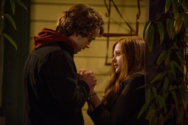 if-i-stay-chloe-moretz-jamie-blackley-6